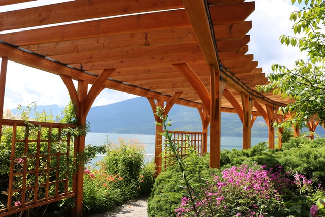 Understanding the Parts of a Pergola