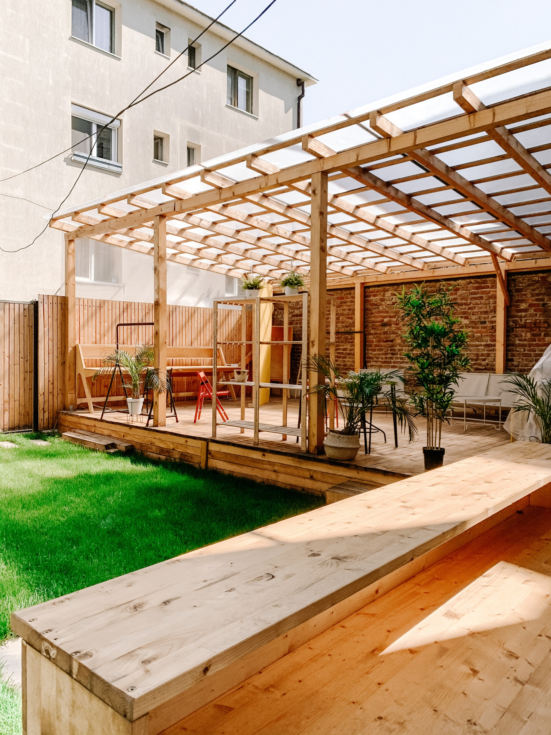 Read more about the article Building Your Backyard Patio: Insulated vs Non-Insulated